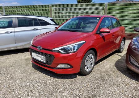 Hyundai i20 Comfort 1,25 – 8-fach bereift, Klimaautomatik, Nichtraucher bei BM || Seifried United Auto Grieskirchen Wels in